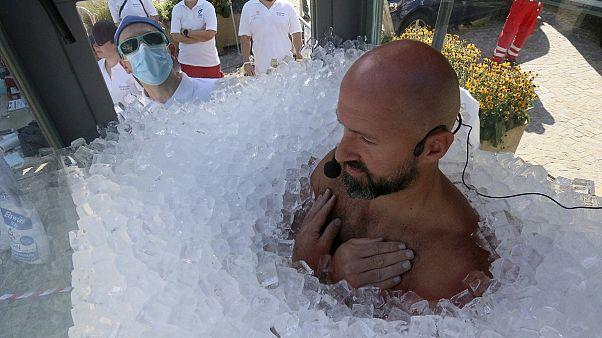 Австрийский экстремал не боится льда