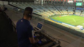 NO COMMENT | Los DJ llenan el vacío que deja la falta de público en el fútbol