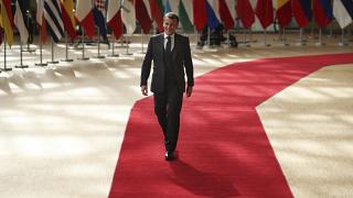 الرئيس الفرنسي ماكرون خلال وصوله إلى قمة عقدت سابقاً في بروكسل