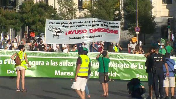 'Marcha verde' en Madrid por un regreso seguro a las aulas