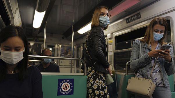 27 millió fölé emelkedett a koronavírus-fertőzöttek száma