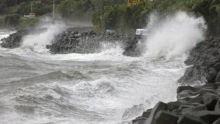 الإعصار القويّ هايشن خلال اجتاحه جنوب اليابان