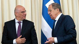 Yunanistan Dışişleri Bakanı Nikos Dendias ile Rusya Dışişleri Bakanı Sergey Lavrov
