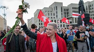ماریا کولِسنیکوا در جمع معترضان بلاروس
