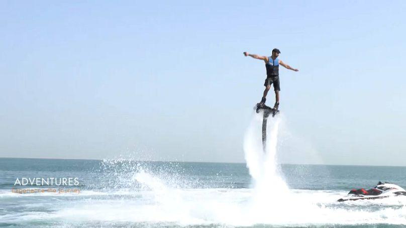 Démonstration de Flyboard par Manea Almarzouqi