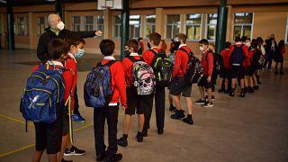 Entrada de los alumnos al colegio Luis Amigó en Navarra