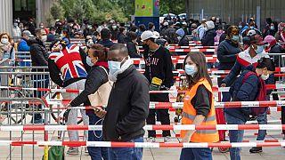 Reparto de ayuda alimentaria en Ginebra, Suiza, el pasado mayo
