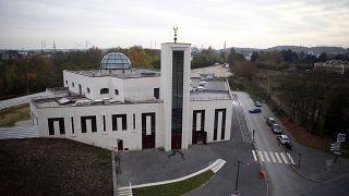 مسجد في جنوب باريس تم بناؤه وفقا لمعايير التنمية المستدامة في ماسي، جنوب باريس