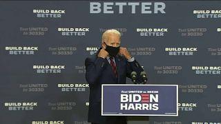 المرشح الديموقراطي جو بايدن في أحد التجمعات الانتخابية