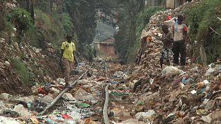 مخاوف متزايدة من لجوء شركات النفط الأمريكية  للتخلص من البلاستيك في أفريقيا