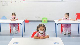 Çocuklar okulda