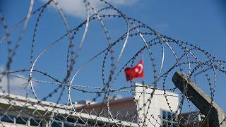 Szigorú biztonsági intézkedések mellett folyt a bírósági tárgyalás Isztambul külvárosában