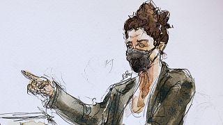 """Dessin de presse représentant Corinne Rey, dit """"Coco"""", lors de sa prise de parole au tribunal de Paris, le 8 septembre 2020"""