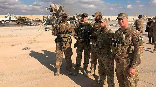 سربازان آمریکایی در پایگاه عینالاسد