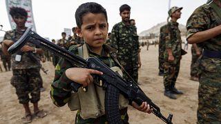 BM raporuna göre Yemen'de zorla savaştırılan çocukların yaşı 7'ye kadar düştü.