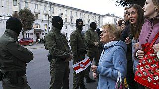 Bélarus : Svetlana Tikhanovskaïa reçue à Varsovie, deux figures de l'opposition incarcérées
