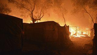 Yunanistan'da karantinaya alınan mülteci kampında yangın