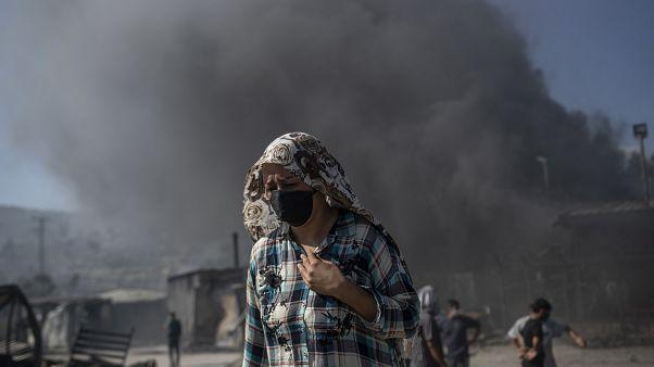 الاتحاد الأوروبي يهرع لمساعدة اليونان جرّاء الحريق الذي اندلع في مخيم موريا للاجئين