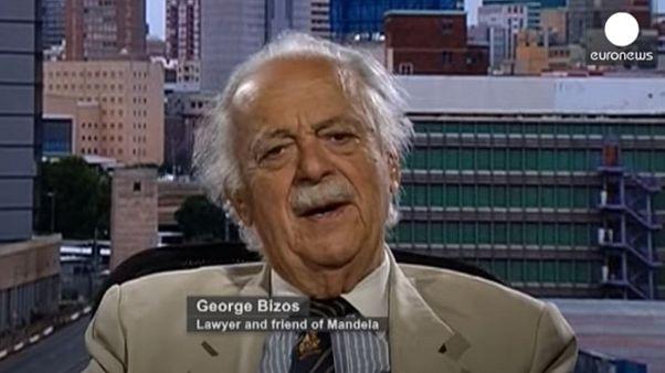 Ο Τζορτζ Μπίζος σε συνέντευξή του στο euronews