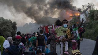 Gestos solidarios en Europa tras el dramático incendio del campo de refugiados de Moria