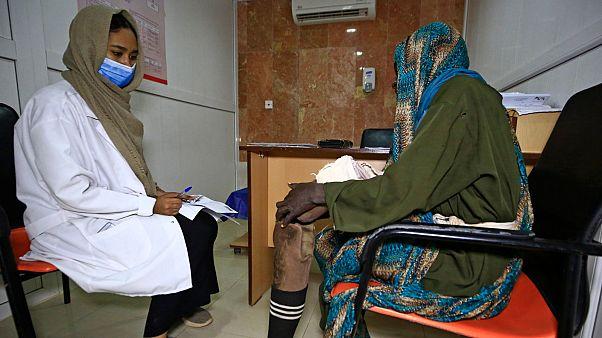 المريضة خديجة أحمد في مركز أبحاث المايستوما بمدينة سوبا السودانية