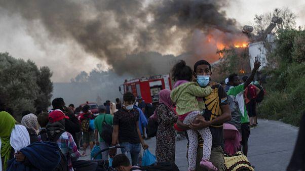 Un autre incendie dans le camp de réfugiés de Moria, l'aide arrive mais pas assez vite