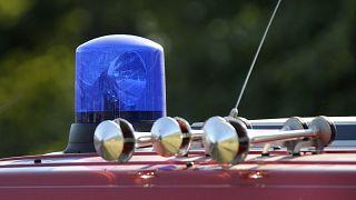 Blaulicht und Martinshorn am Samstag, 13. Sept. 2008, auf dem Dach eines Feuerwehrautos