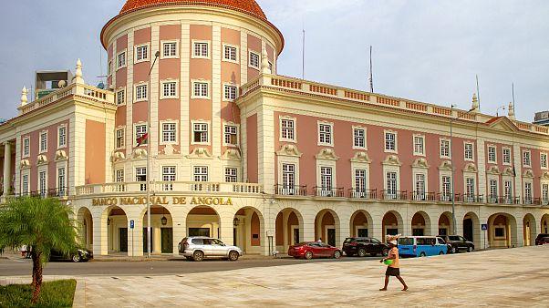Standard Bank, de São Vicente, tem colaborado com o Banco Nacional de Angola