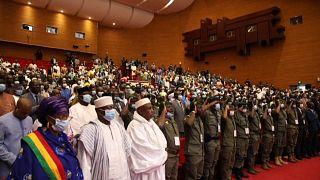 Mali : Trois jours de discussions entre la junte et la société civile