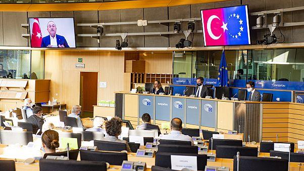 Τηλεδιάσκεψη με τον Μεβλούτ Τσαβούσογλου της Επιτροπής Εξ.Υποθέσεων της ΕΕ