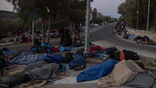 Moria, migliaia di senzatetto allo stremo sull'isola di Lesbo
