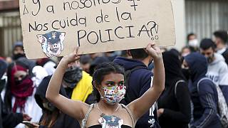 Kolombiya: Polis şiddetine karşı eylemde polis şiddeti; en az 10 ölü