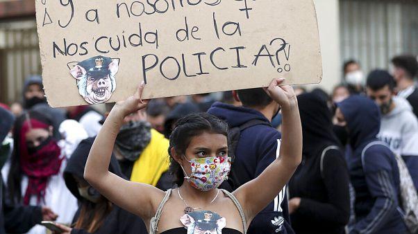 Протесты против полицейского насилия в Колумбии