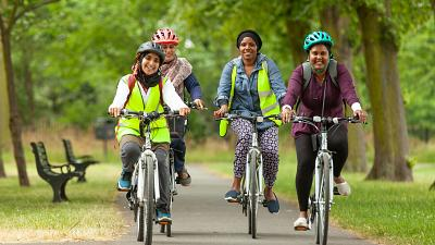 Cycle Sisters on a group ride