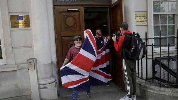 Νέα ένταση στο δρόμο για το Brexit