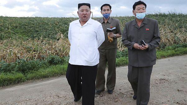 Kim Dzsongun Dél-Hvanghe tartományban 2020. augusztus 28-án