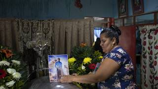 Capilla ardiente del periodista Julio Valdivia Rodríguez en su casa de Tezonapa (México)