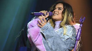 La cantante colombiana Karon G durante una actuación en Los Ángeles el pasado mes de enero