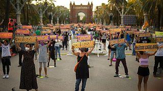 Independentistas catalães saem à rua
