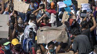 پناهجویان با شعار «آزادی» علیه وضعیت خود در جزیره لسبوس تظاهرات کردند