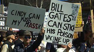 Cartelli contro Bill Gates, ad Auckland.