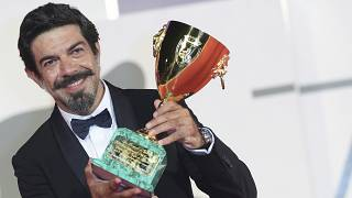 Coppa Volpi a Pierfrancesco Favino: miglior attore della 77.Mostra del Cinema di Venezia.