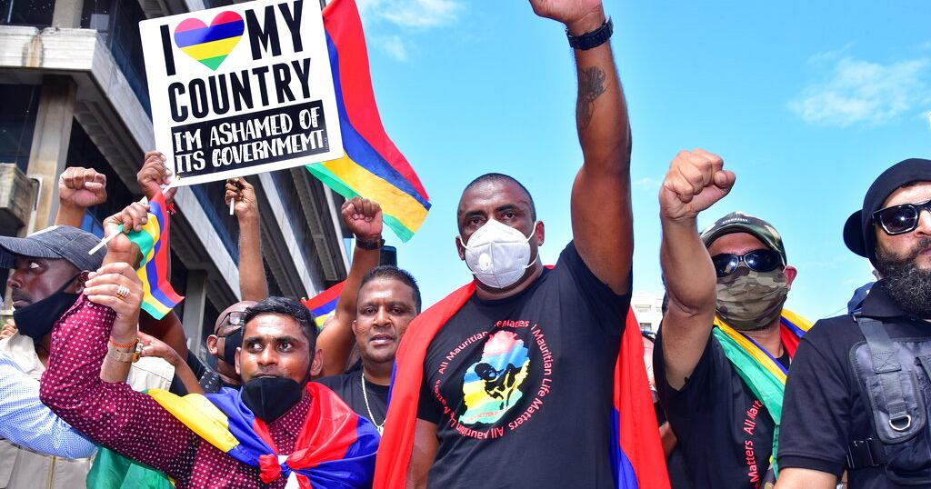 Mauritius Sees Largest Rally in 40 Years Over Oil Spills
