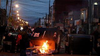 Des manifestants dressent une barricade à Bogota, le 10 septembre 2020