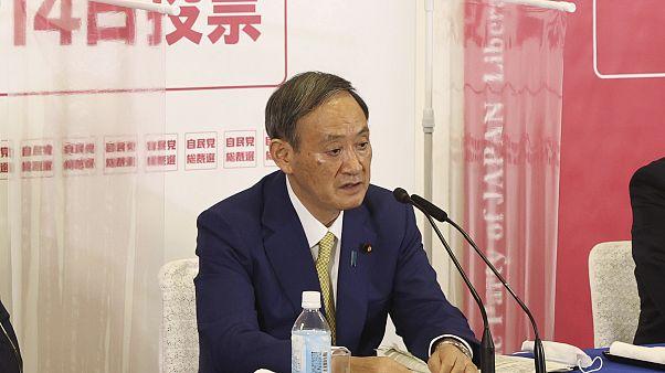 Szuga Josihide lehet az új japán kormányfő
