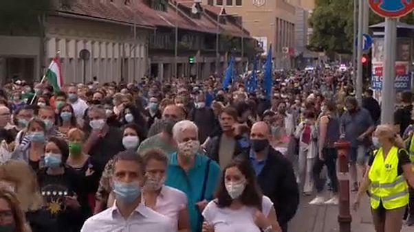 Proteste gegen Angriffe auf die Pressefreiheit in Ungarn