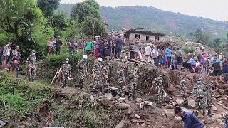 Nepal: forti piogge e smottamenti, decine di morti