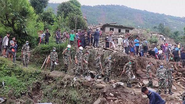 Au Népal, un glissement de terrain fait au moins 14 victimes