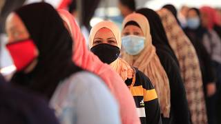 مذيعة مصرية تثير الجدل بعد تصريحاتها عن الحجاب