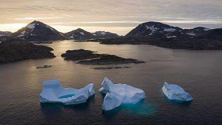 ذوب شدن یخهای قطبی